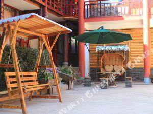 泸沽湖在路上足迹青年旅舍