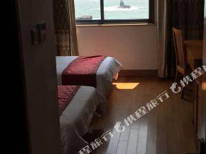 舟山东极藏海阁宾馆(渔家乐)