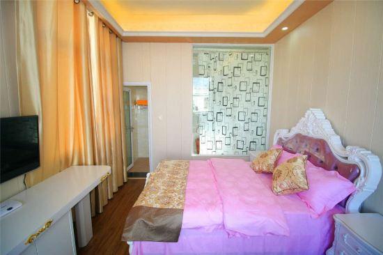 欧式风格,住着很温馨,房间的设施都是全新的