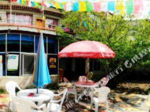 拉萨藏乡青年旅舍花园客栈