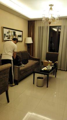我们还能在客厅吃夜宵看电视