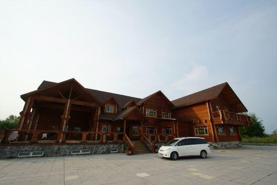 漠河北极木制别墅群预订价格,联系电话位置地址