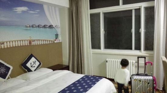 家居 酒店 起居室 设计 装修 550_308