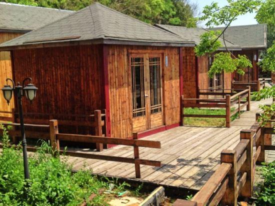 石头木屋别墅图片