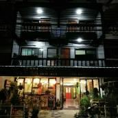 坦戈莫之家酒店