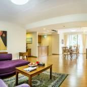曼谷素坤逸短住兩至三臥室公寓