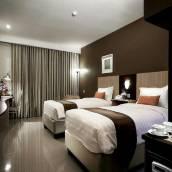 日惹奎因斯德拉克森頓酒店